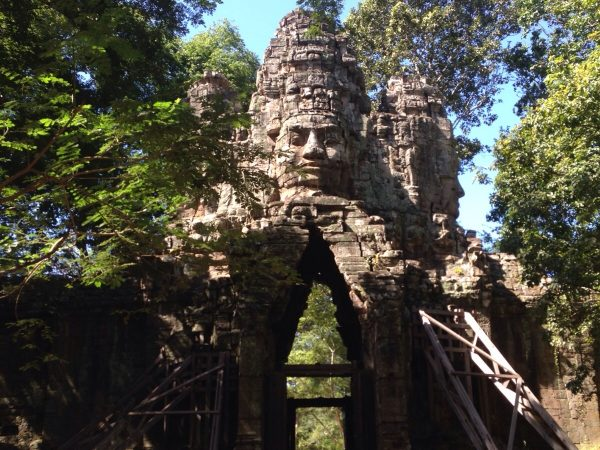 the 12th century empire angkor wat complex